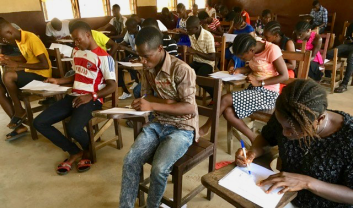 Student at pre-examination